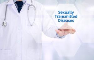 エイズは専門医による治療が必要