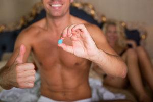 処方されたED治療薬と男性患者
